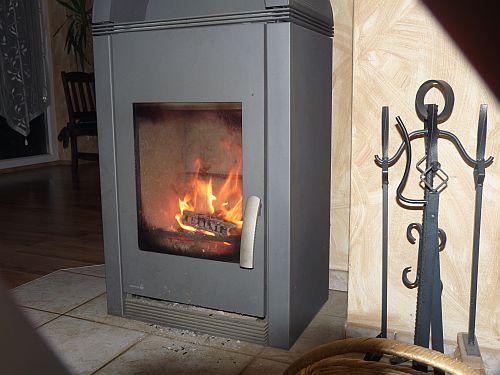 kaminholz brennstoff brennstoffh ndler bestellen brennstoffe kaufen kohle koks holz brennwert. Black Bedroom Furniture Sets. Home Design Ideas